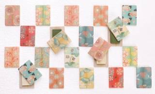 色とりどりの草花や生き物の絵柄が美しい最中「心よせ 結」が新発売