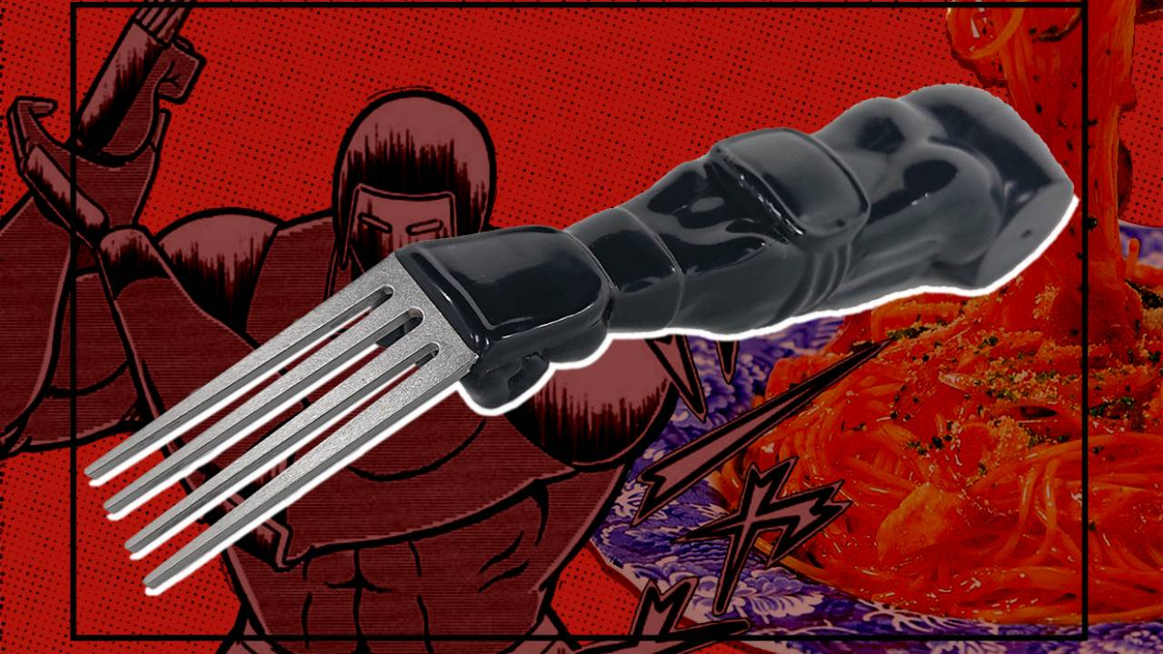 ベアークローで朝食を。「キン肉マン」の人気超人・ウォーズマンの左腕が丸ごとフォークになっちゃった!
