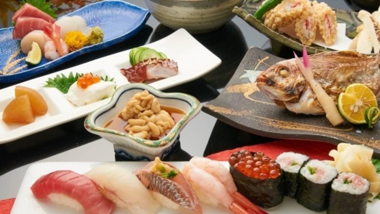 """""""懐石""""という言葉は仏教由来?仏教と茶道の影響を受けた和食文化"""