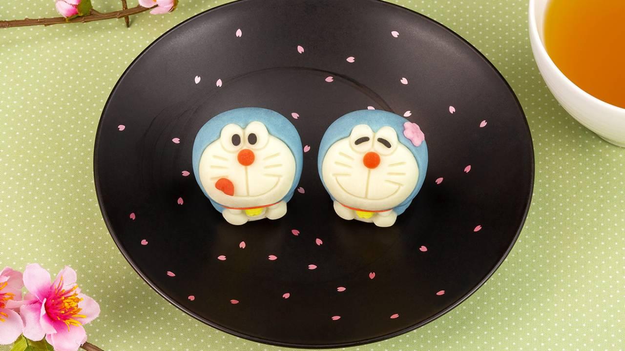 キュートな笑顔のドラえもんが和菓子になったよ!ぽってり感が愛らしい♡