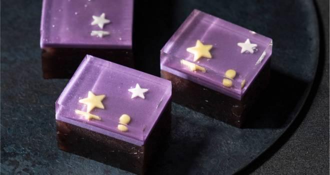 夏の夜に輝く星たちを琥珀羹にとじこめた美しい羊羹「七夕」が期間限定発売