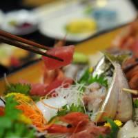 魚は「ウオ」と「さかな」どちらが正解?どちらが古く、どのように使い分けるのか?