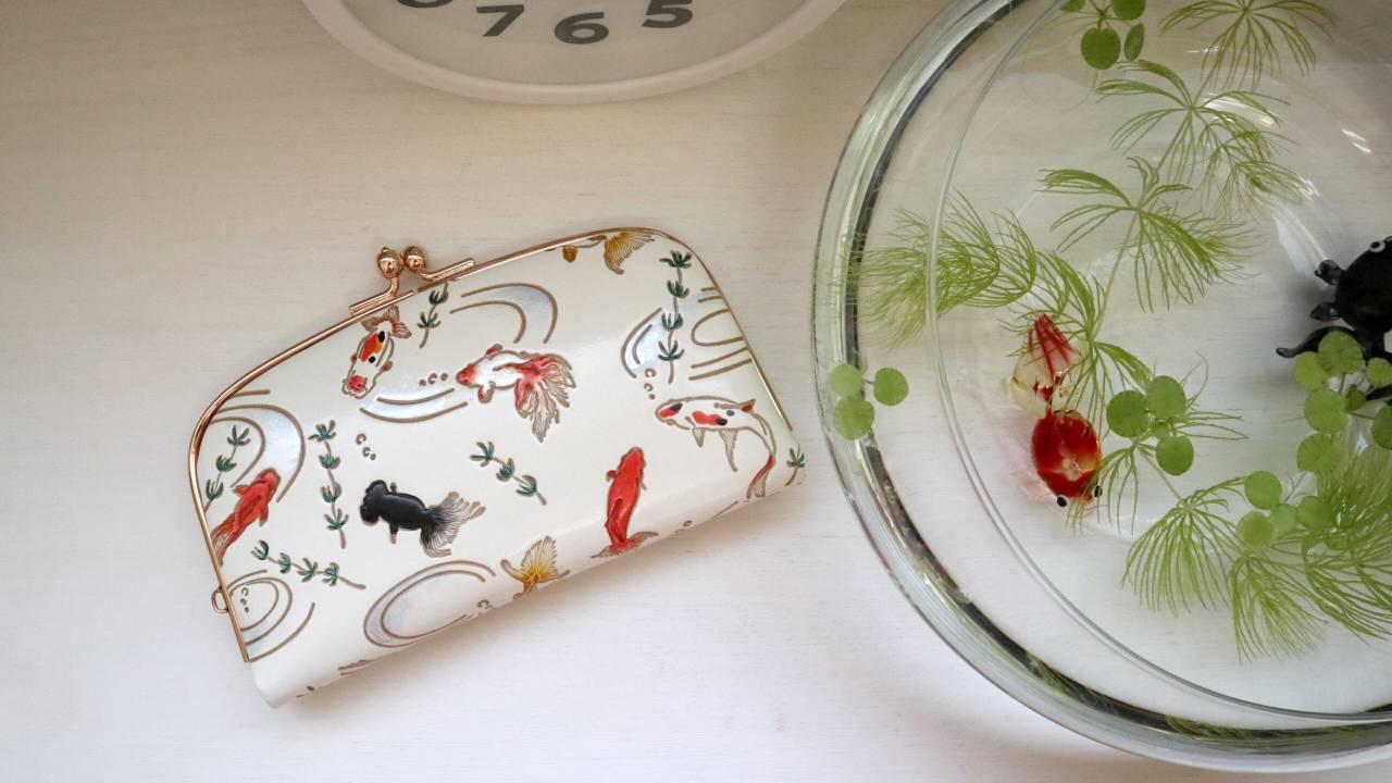 皮革伝統工芸「文庫革」のブランド「大関」から夏限定の4柄が登場
