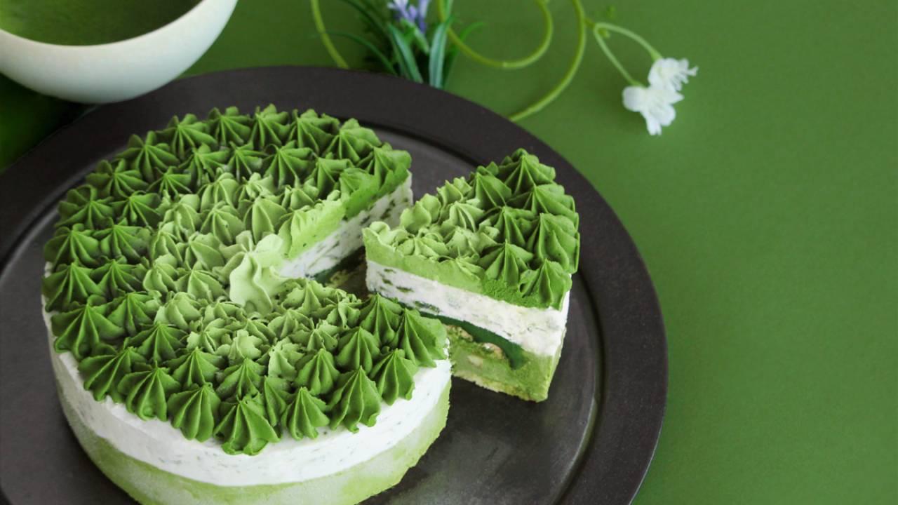 緑の美しきグラデーション♡抹茶ファン感涙の極上「濃厚宇治抹茶アイスケーキ」