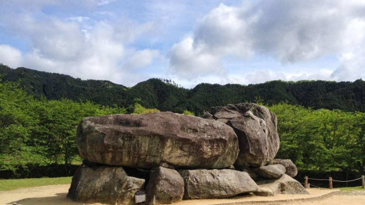 破壊、打ち捨て、ムチ打ち…古代日本、豪族たちのケンカの火種はなんと「仏教」だった
